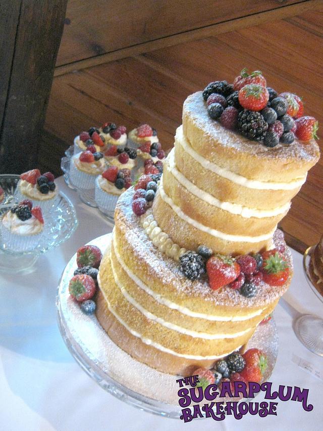 Naked wedding cake with cupcakes - cake by SWEET - CakesDecor