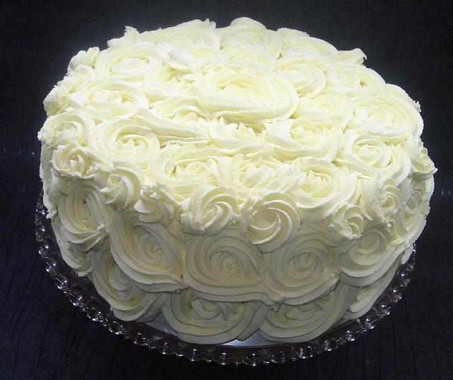 White chocolate buttercream roses.