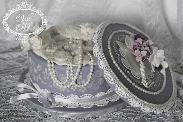 Vintage lace box