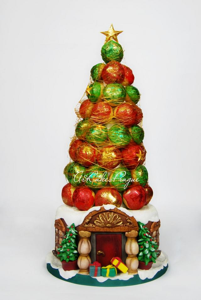 Christmas croquembouche cake