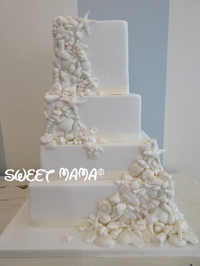 Seashells wedding cake