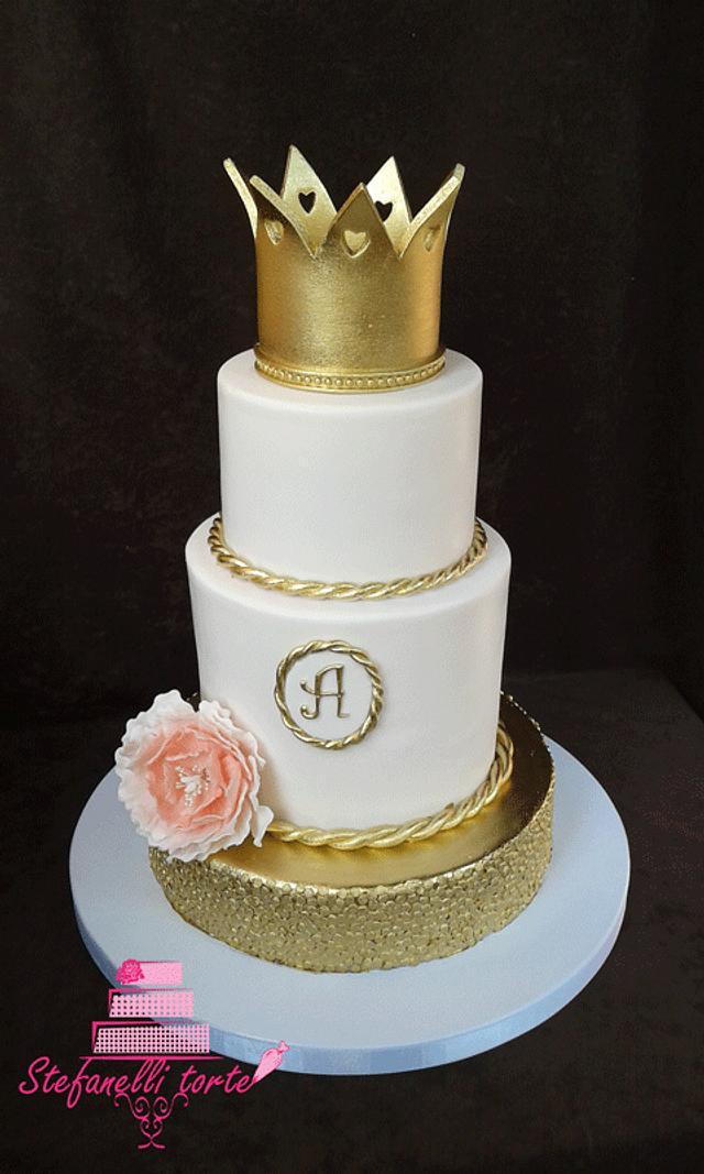 Wedding cake crown