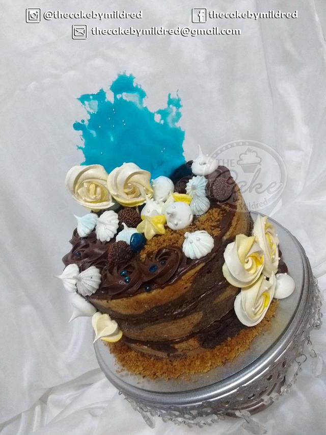 Yellow, blue and chocolate fantasy