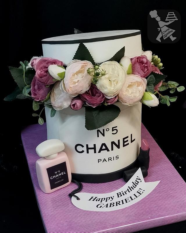 Cake Chanel box