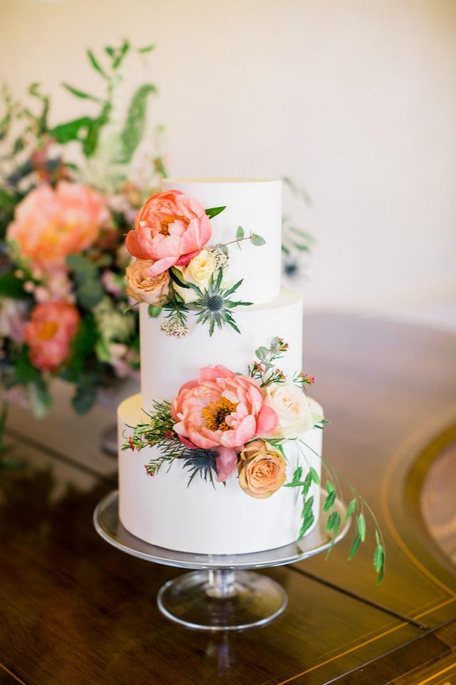 Coral Fresh Flower Wedding Cake