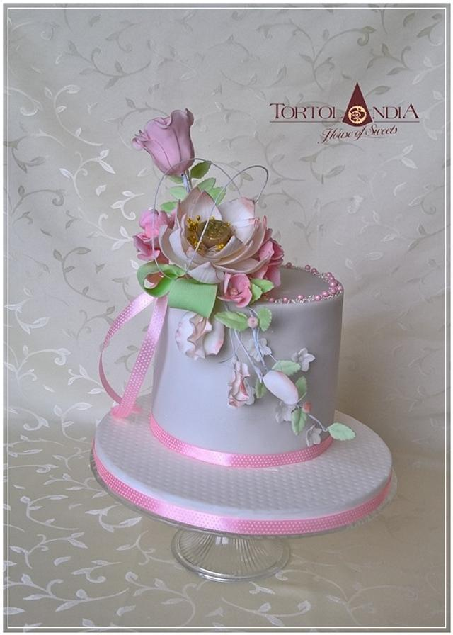Birthday cake in pink