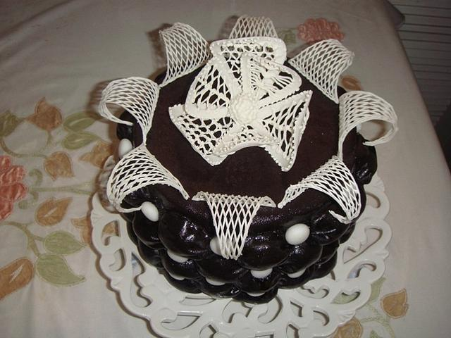 Billow and Lace cake