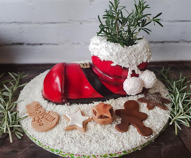 Santa boot cake in the snow