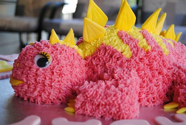 Baby stegosaurus cake