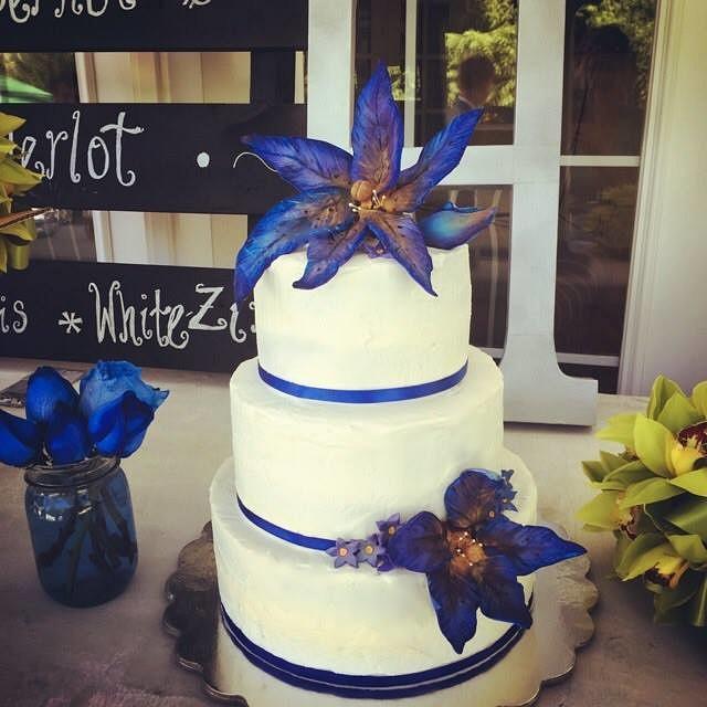 Blue Lily Wedding Cake