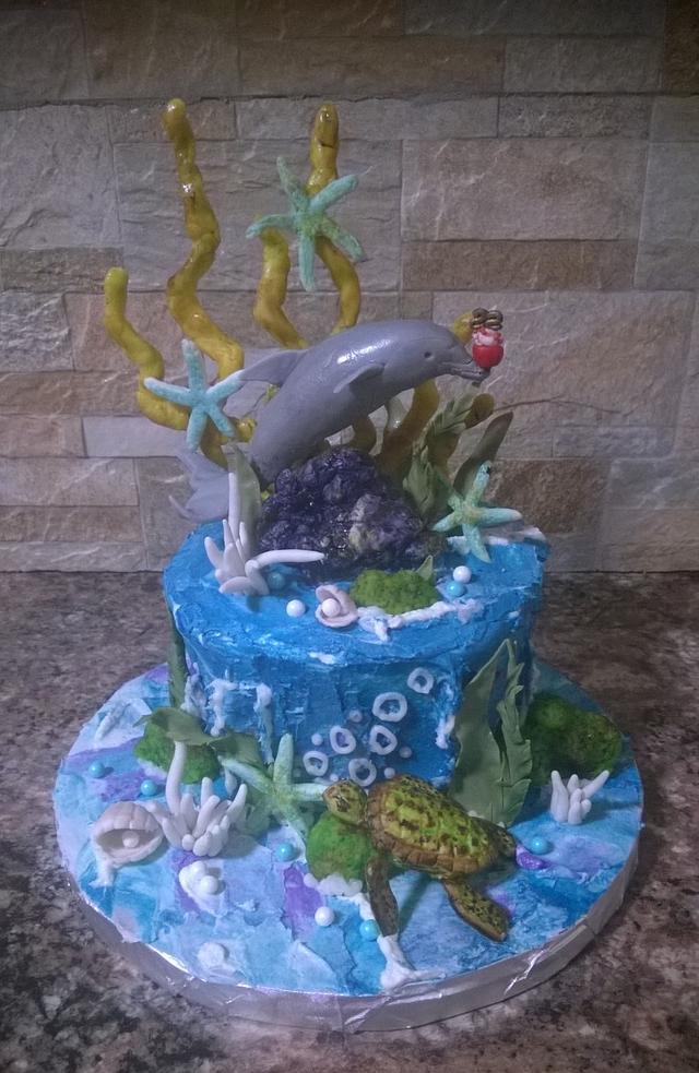 Underwater dolphin cake