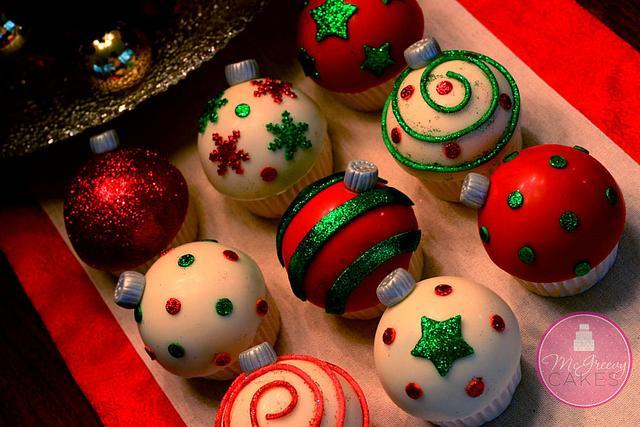Win Win Ornament Cupcakes