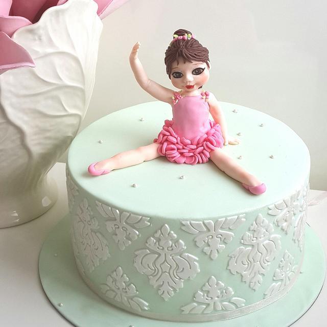 little ballerina cake