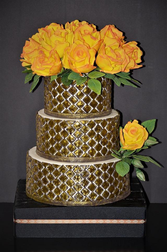 Yellow roses cake