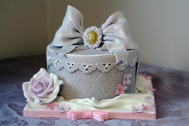 Antique Lace Gift Box