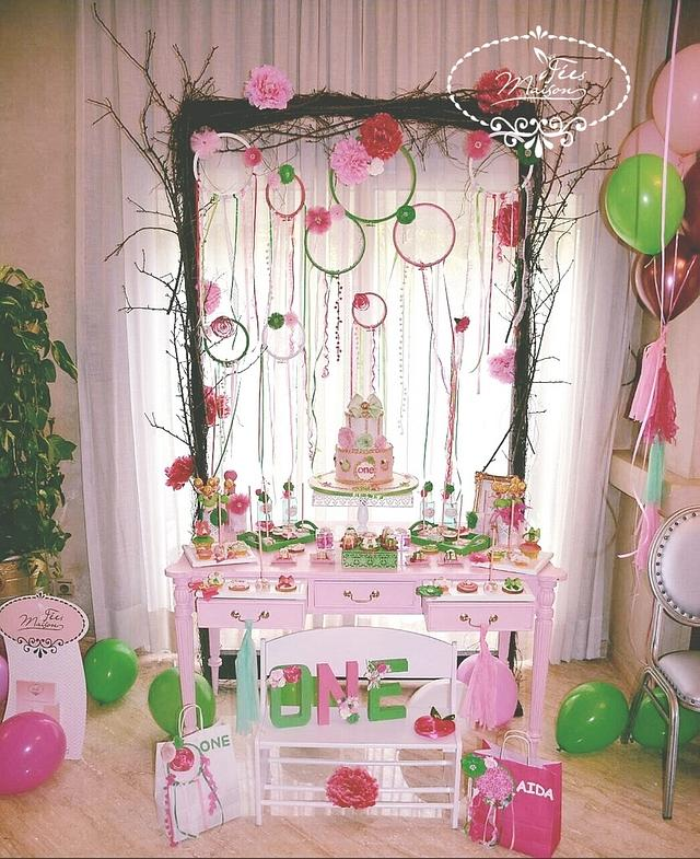 Sweet birthday table girly