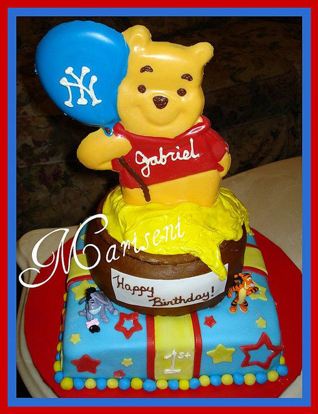 Marvelous Winnie The Pooh Birthday Cake Cake By Slice Of Sweet Cakesdecor Funny Birthday Cards Online Alyptdamsfinfo