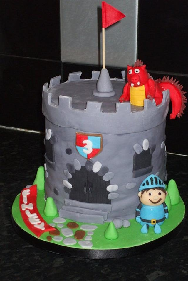 Fine Mike The Knight Birthday Cake Cake By Kerrycakes Cakesdecor Funny Birthday Cards Online Eattedamsfinfo