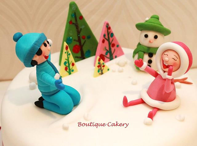 Christmas Cake - kids playing in the snow