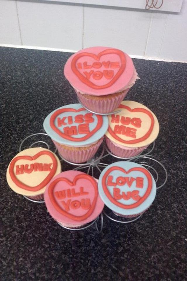 'love heart' cupcakes