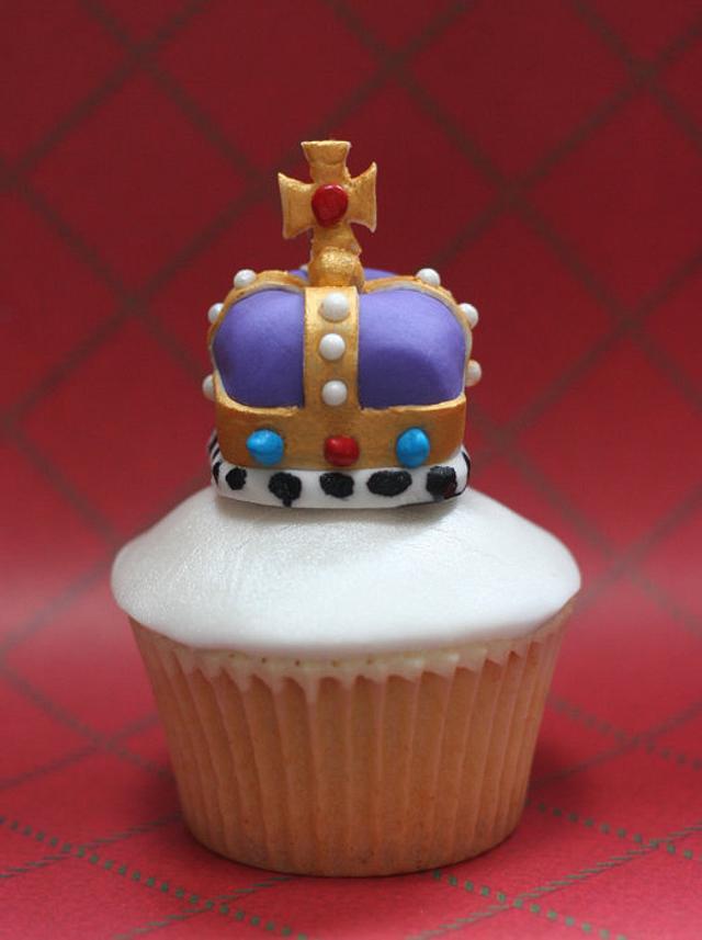 Queens Jubilee Crown Cupcake