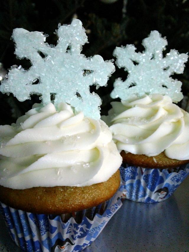 Sugared Snowflake Cupcakes