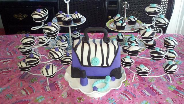 Purse Cake and cupcakes