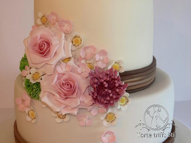 """Willow Tree"" Wedding cake"
