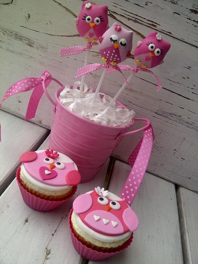 Owl Themed Cake pops and Cupcakes