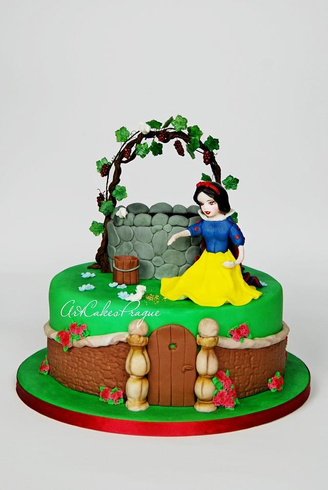 Brilliant Snow White Birthday Cake Cake By Art Cakes Prague Cakesdecor Funny Birthday Cards Online Alyptdamsfinfo
