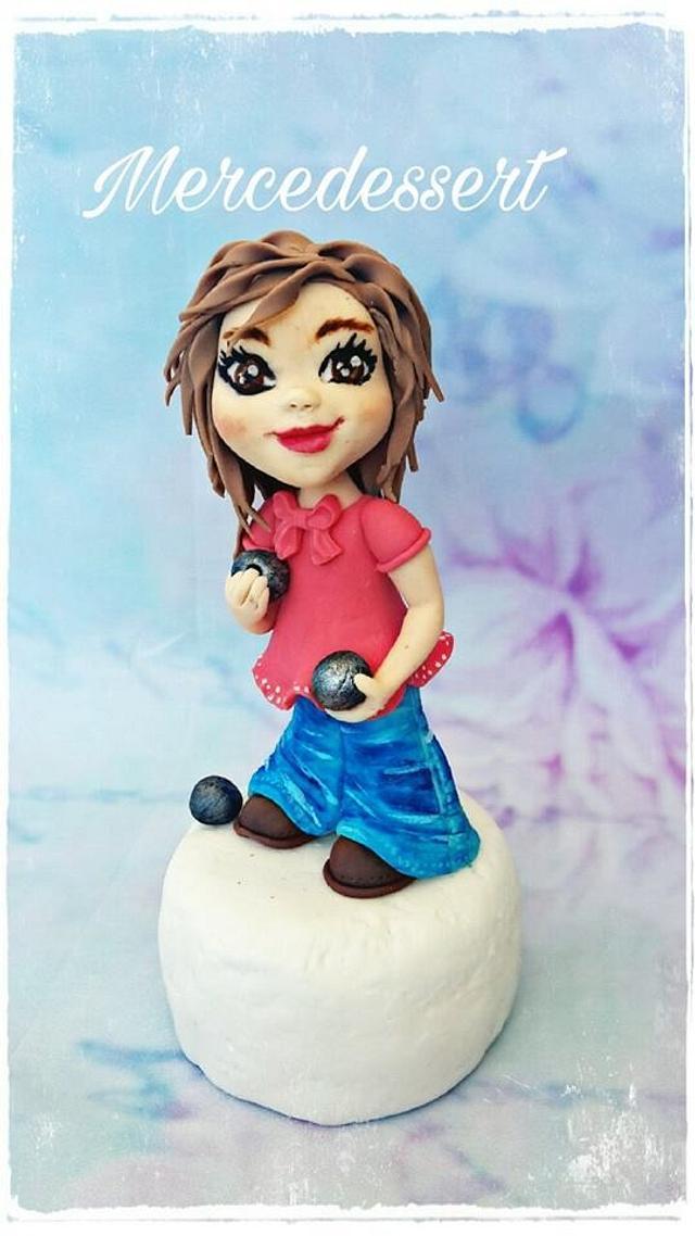 Petanque player figurine