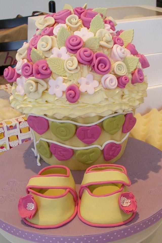 Roses Giant Cupcake