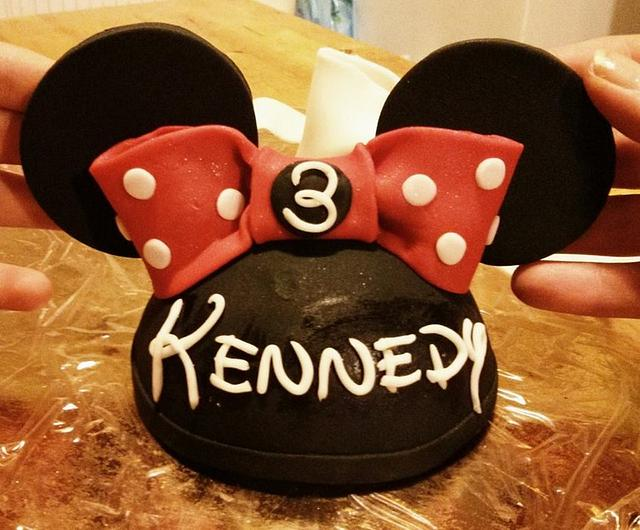 Marvelous Minnie Mouse Hat Cake Topper Cake By Jeana Byrd Cakesdecor Funny Birthday Cards Online Eattedamsfinfo