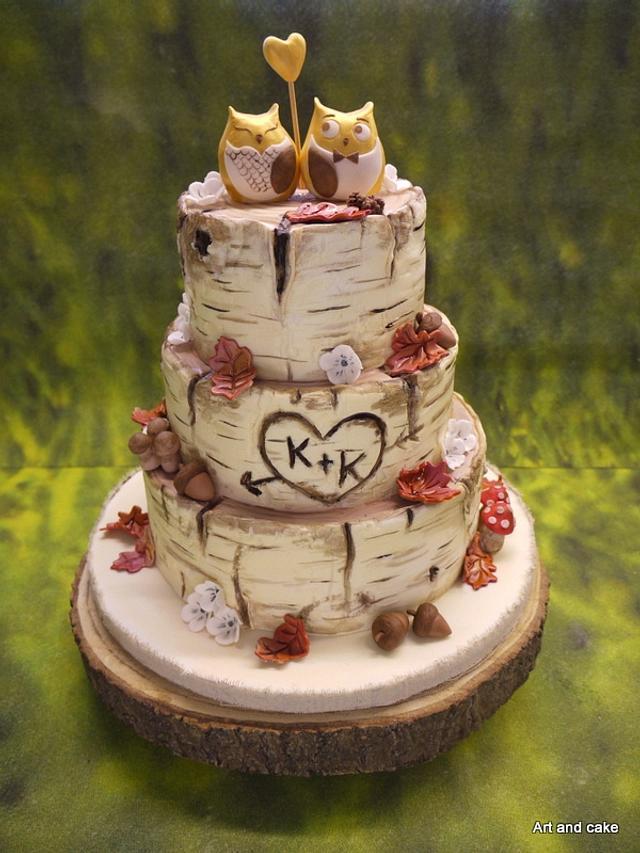 Tree trunk wedding cake