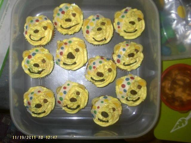 Pudsey cupcakes