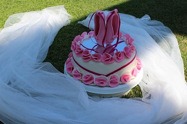 Another cake with pouent shoes!
