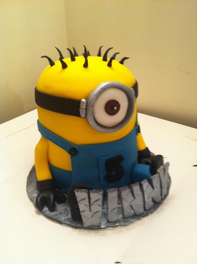 Minion and cupcake characters