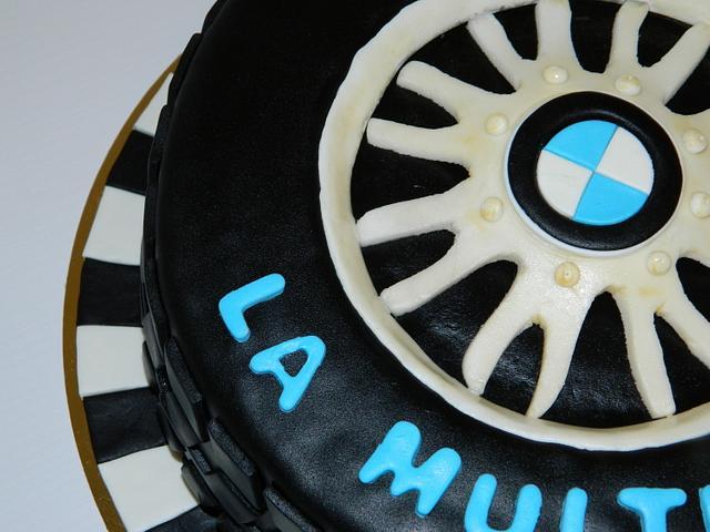 BMW wheel cake