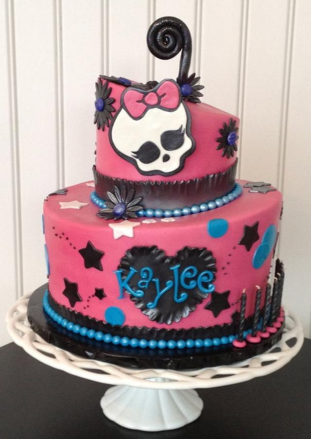 Monster High Topsy Turvy Cake