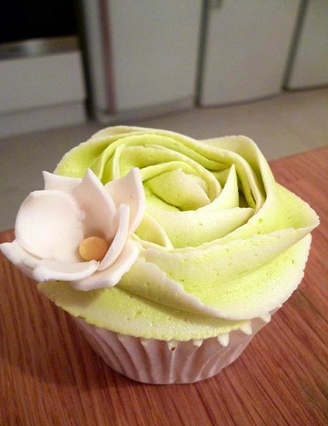 Rose frosting Cupcakes