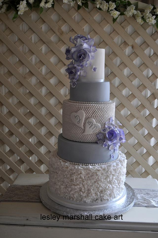 weding cake ruffle (2 variations)