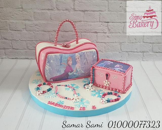 Frozen handbag and accessories box cake