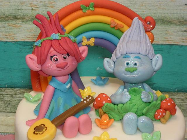 Poppy and Guy Diamond cake