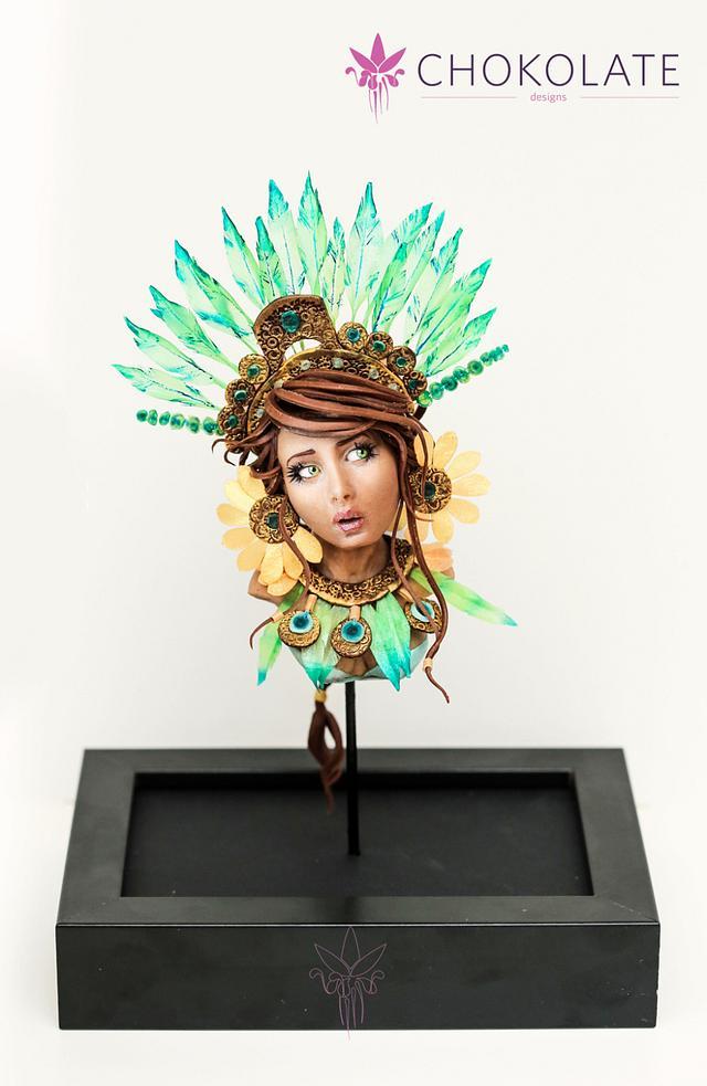 Maya Chocolate buste