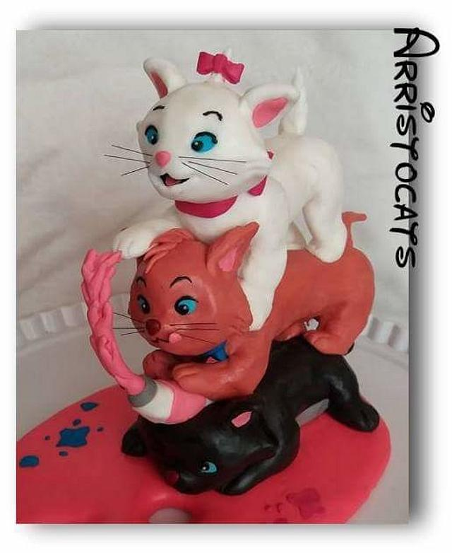 aristocats playing with paint