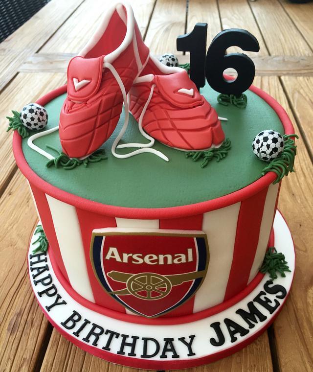 Arsenal Football Cake
