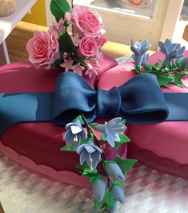 2 hearts weddingcake