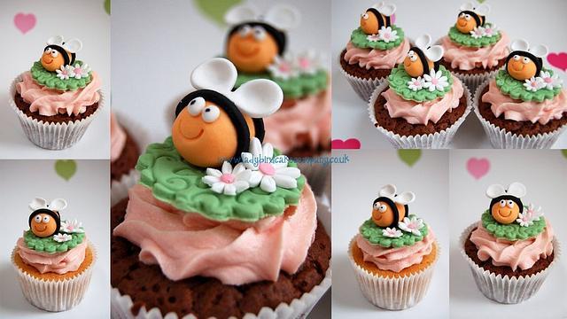 Buzzy bee cupcakes