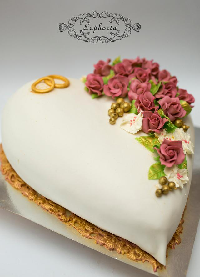 Heard shaped wedding cake