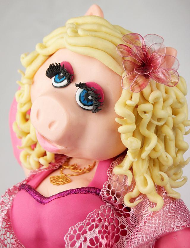 Miss Piggy - Cake Con International 2018  Collaboration